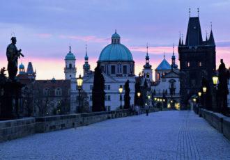 Repuplica-Checa-puente-carlos-amanecer