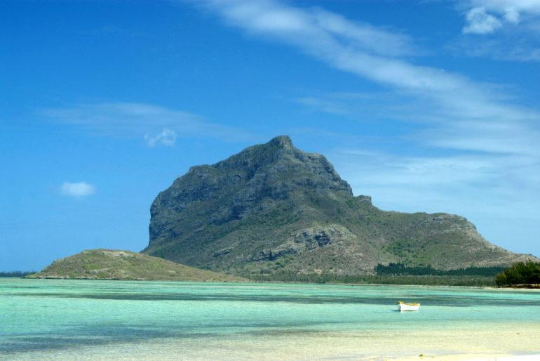 isla-Mauricio-montana-le-morne