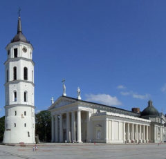 viaje-paises-Balticos-Lituania-Vilnius-catedral